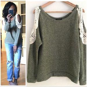 { Solemio } Crochet Cold Shoulder Sweatshirt Sz M